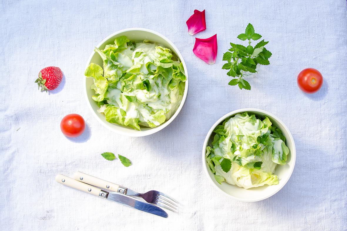 Eisberg-Salat mit Joghurt-Dressing