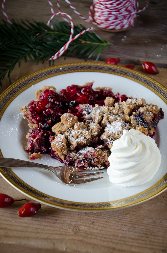 Weihnachtliches Beeren-Crumble