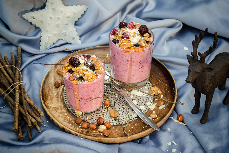 Beeren-Joghurt mit Honig-Nuss-Mischung