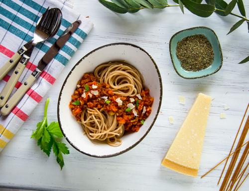 Vollkorn-Spaghetti mit Gemüse-Bolognese