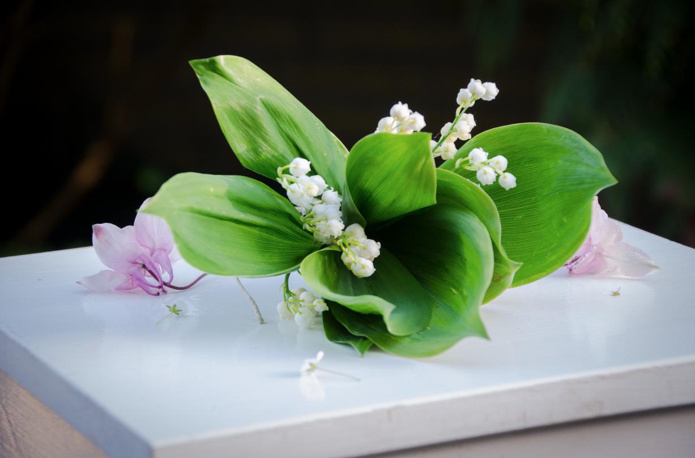 Sauerkirschkuchen mit Blumen