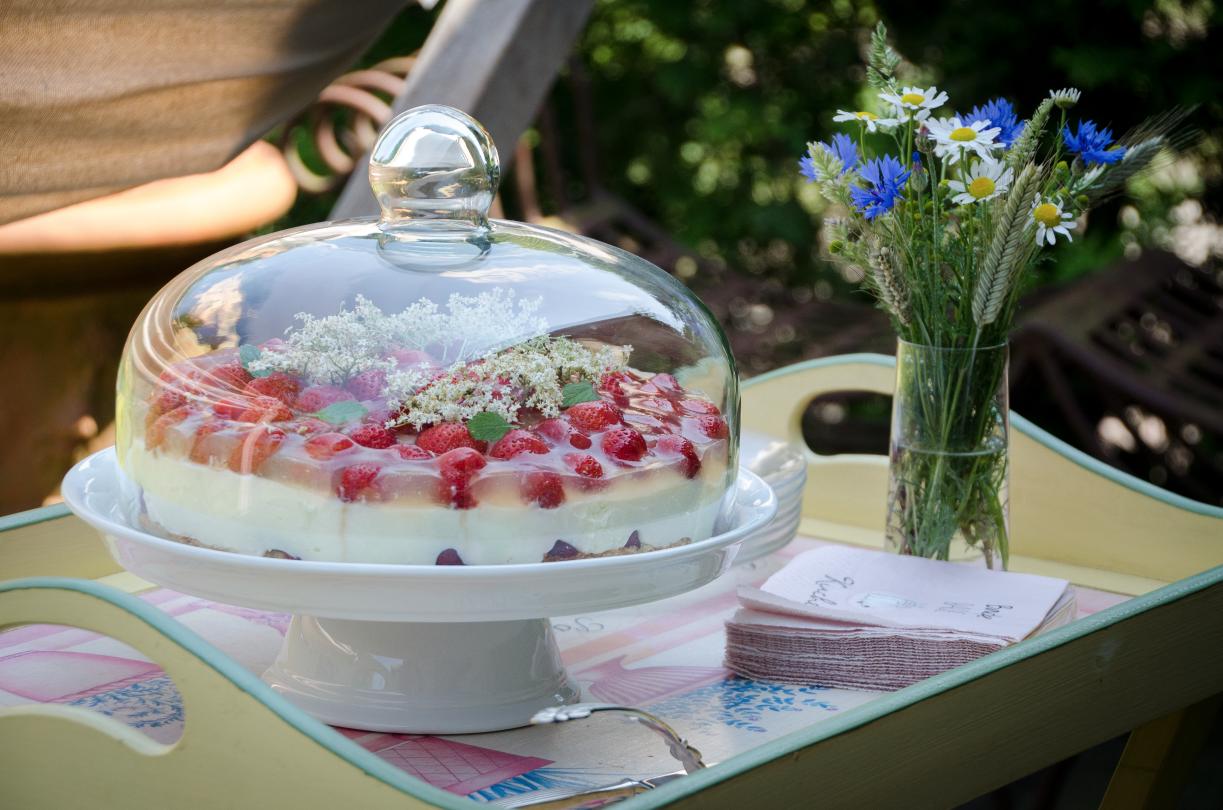 Erdbeer-Buttermilchcreme-Torte