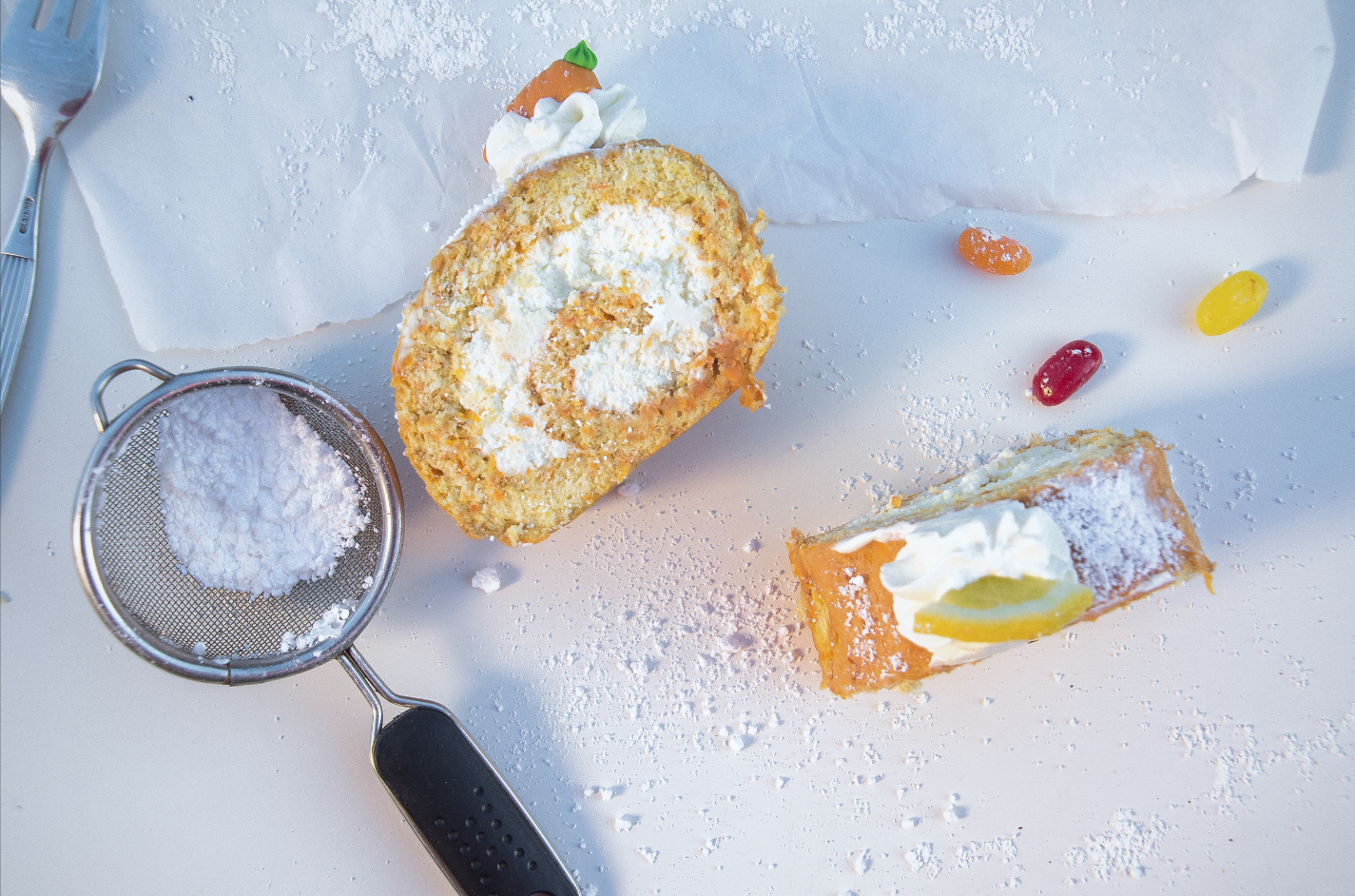 Möhren-Bisquitrolle mit Frischkäse-Sahne-Füllung