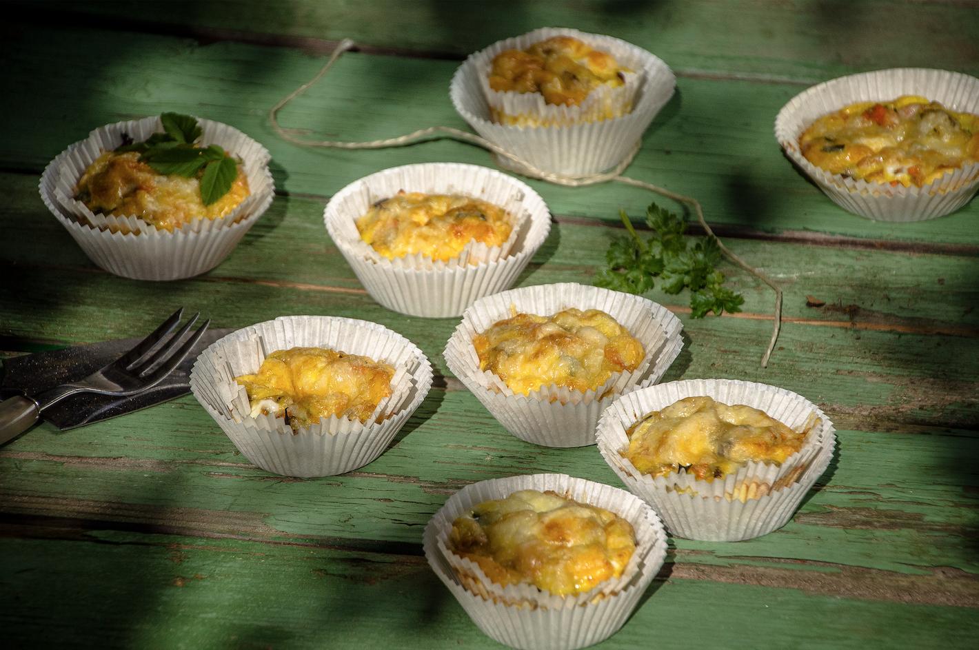 Vegetarische Gemüse-Muffins mit Eiern